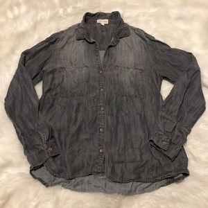 Anthropologie Tops - Anthropologie Cloth & Stone Chambray Shirt